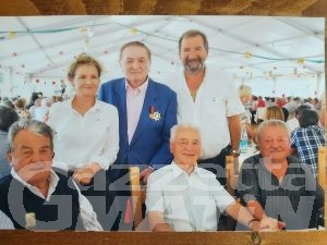 Saint-Pierre saluta 'Louis' Bonfanti, gran lavoratore e anima delle feste